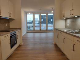 Küche Blick zum Balkon