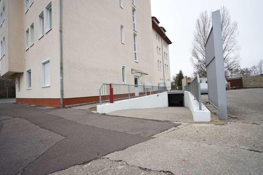 Eingang und Zufahrt Tiefgarage