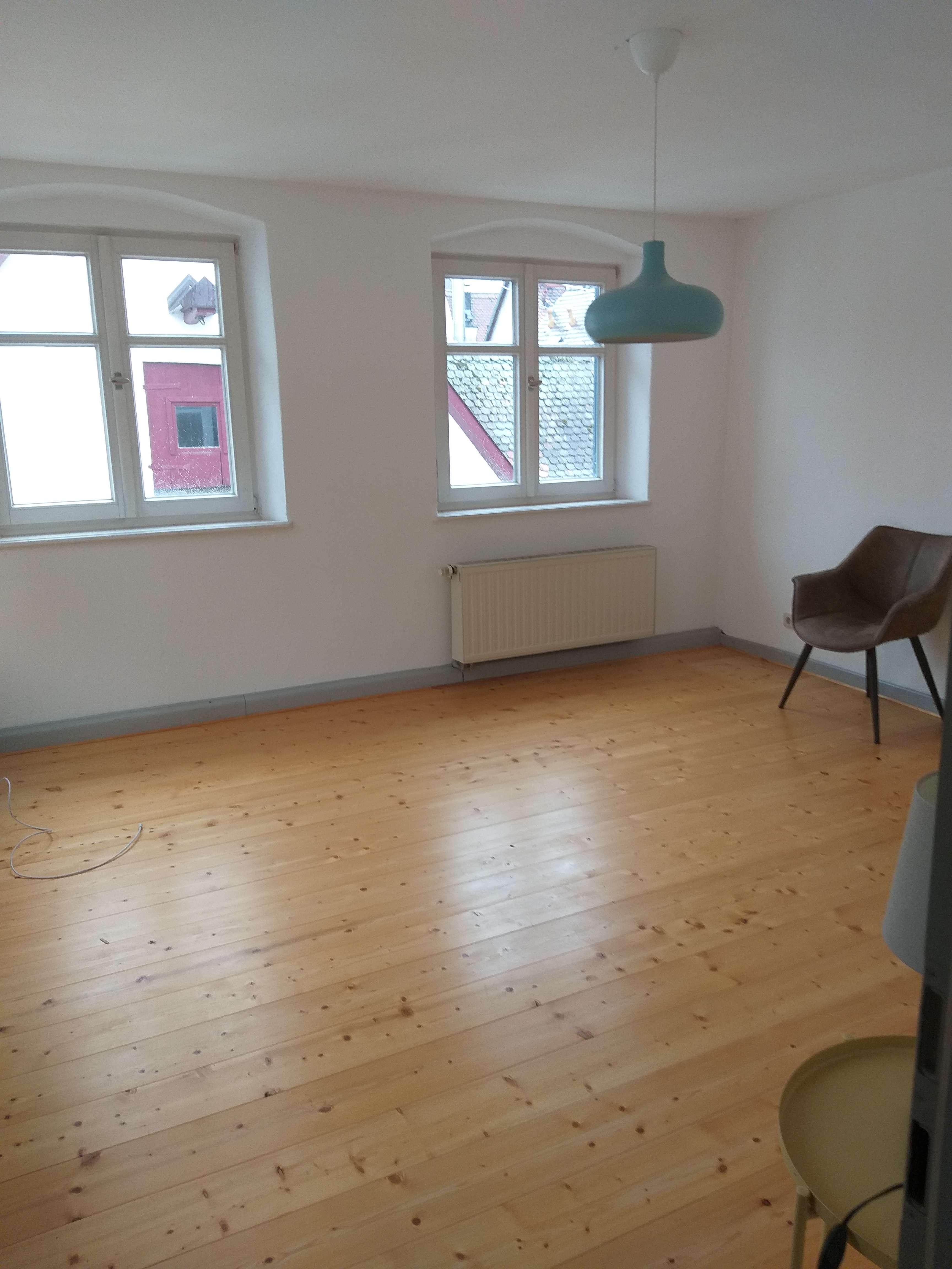 4 Zimmer Wohnung in Günzburg über 2 Etagen mit Abstellraum und Einbauküche in