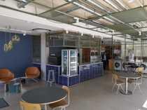 Moderne visible Einzelhandelsflächen mit Konferenzräumen