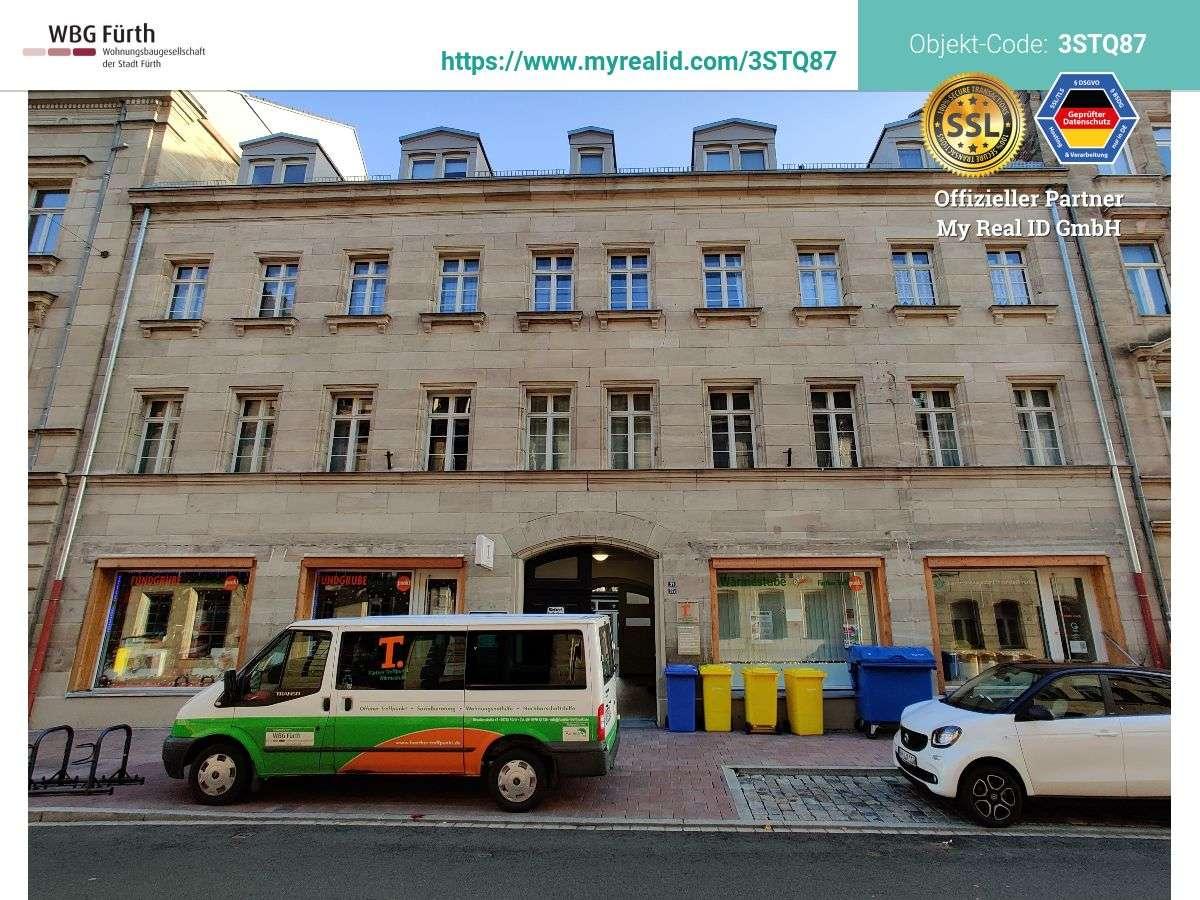 Großzügige 3-Zimmer Wohnung mit Balkon - Wohnberechtigung für viele Einkommen (siehe Sonstiges) in Altstadt, Innenstadt (Fürth)