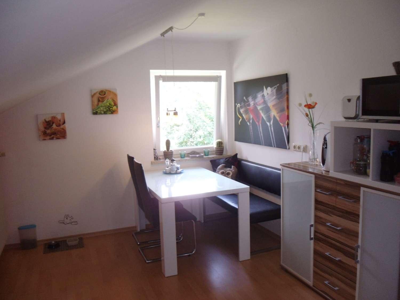Schöne und Geräumige Dachgeschoss Wohnung in