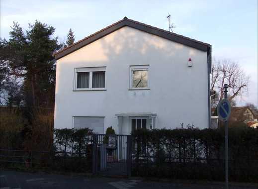 Sehr schönes freistehendes Einfamilienhaus in bester Lage in Mannheim-Käfertal-Süd