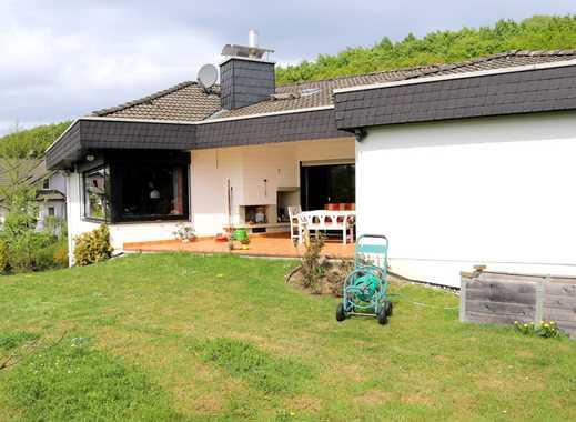 Schönes Wohnhaus mit Einliegerwohnung in Buseck, beste Wohnlage!