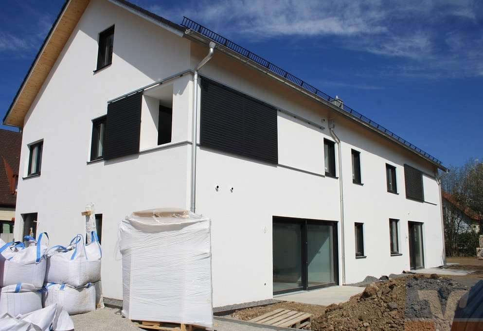 Neubau/Erstbezug - Großzügige, moderne 2-Zimmer-EG-Wohnung in 3-Familienhaus in ismaning