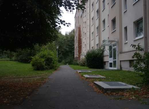 Schöne 2-Zimmer-Wohnung mit Loggia in der Südstadt