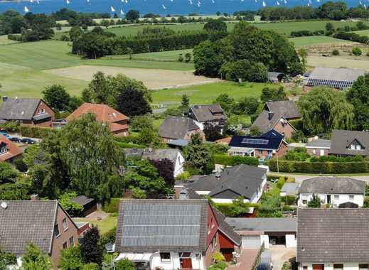Schönes großzügiges Einfamilienhaus mit Meerblick und Einliegerwohnung