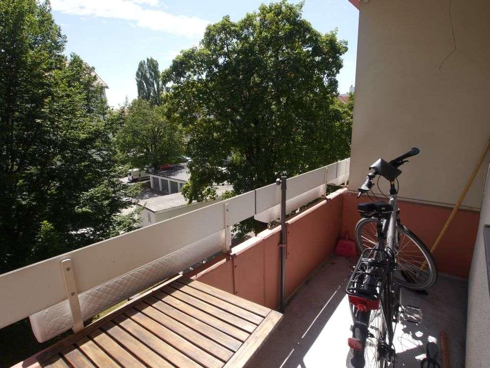 **Direkt an der U2 FFR: 3 Zimmer-Wohnung mit Balkon**