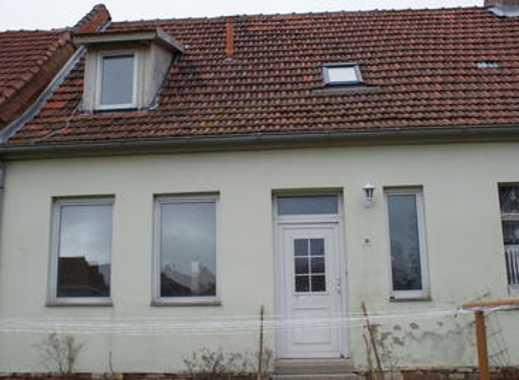 Besser ein kleines Haus, als eine Wohnung im dritten Stock!!