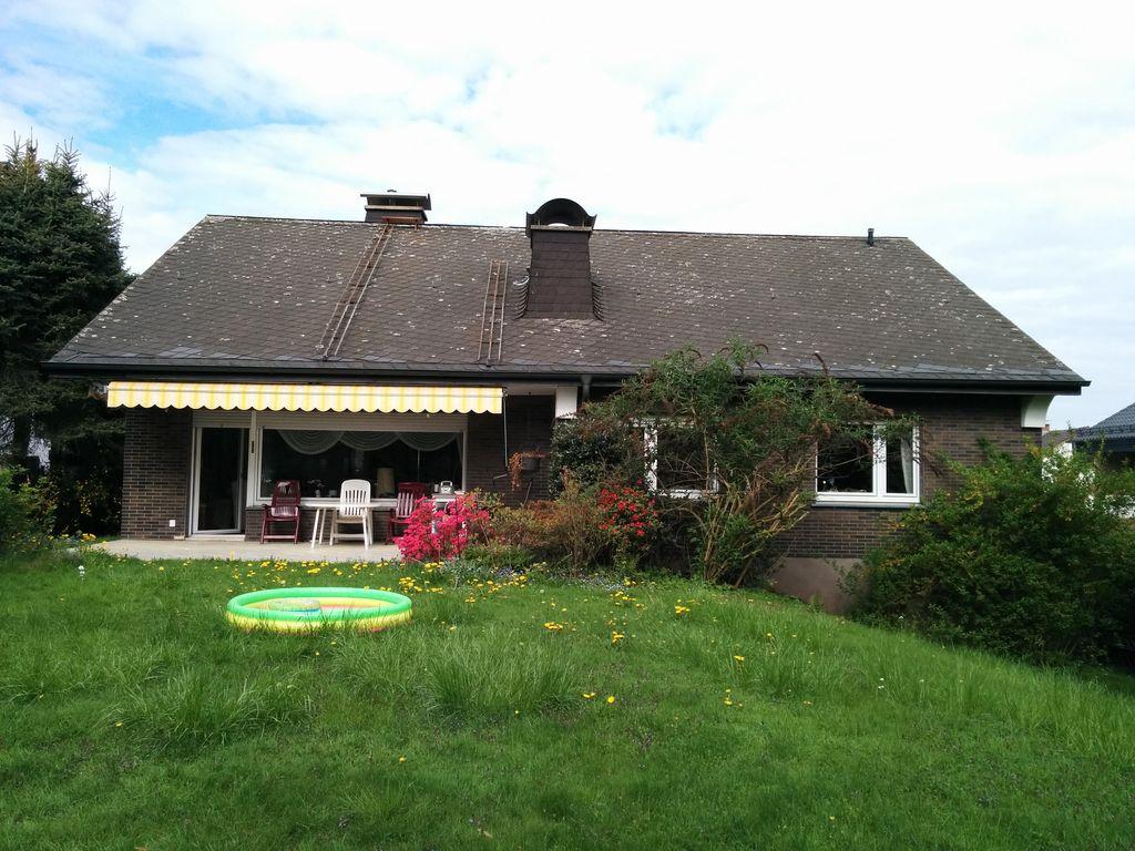 Schönes, geräumiges Haus in Hüsten am Mühlenberg mit Kamin und Sauna