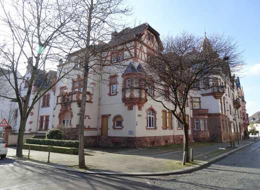 Altbau am Wasserturm: stilvolle Fassade – 5 Wohnungen – 3 Stellplätze – kompl. vermietet!
