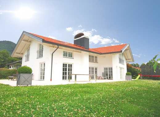 Wunderschönes modernes Einfamilienhaus mit herrlichem Schloss- und  Bergblick.....