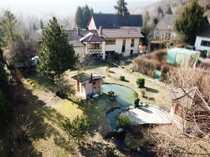 Schönes Zweifamilienhaus auf großzügigem Grundstück
