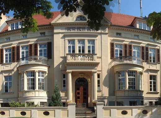 Geräumige, vollständig renovierte 4-Zimmer in Halle (Saale) WG geeignet