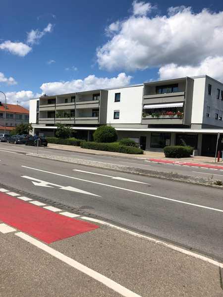 Exklusive, vollständig renovierte 3,5-Zimmer-Wohnung mit Balkon und EBK in Memmingen in Memmingen-Innenstadt