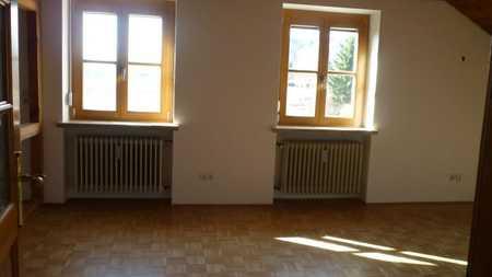 Gemütliche 2 Zimmer Dachgeschosswohnung! in Kelheim