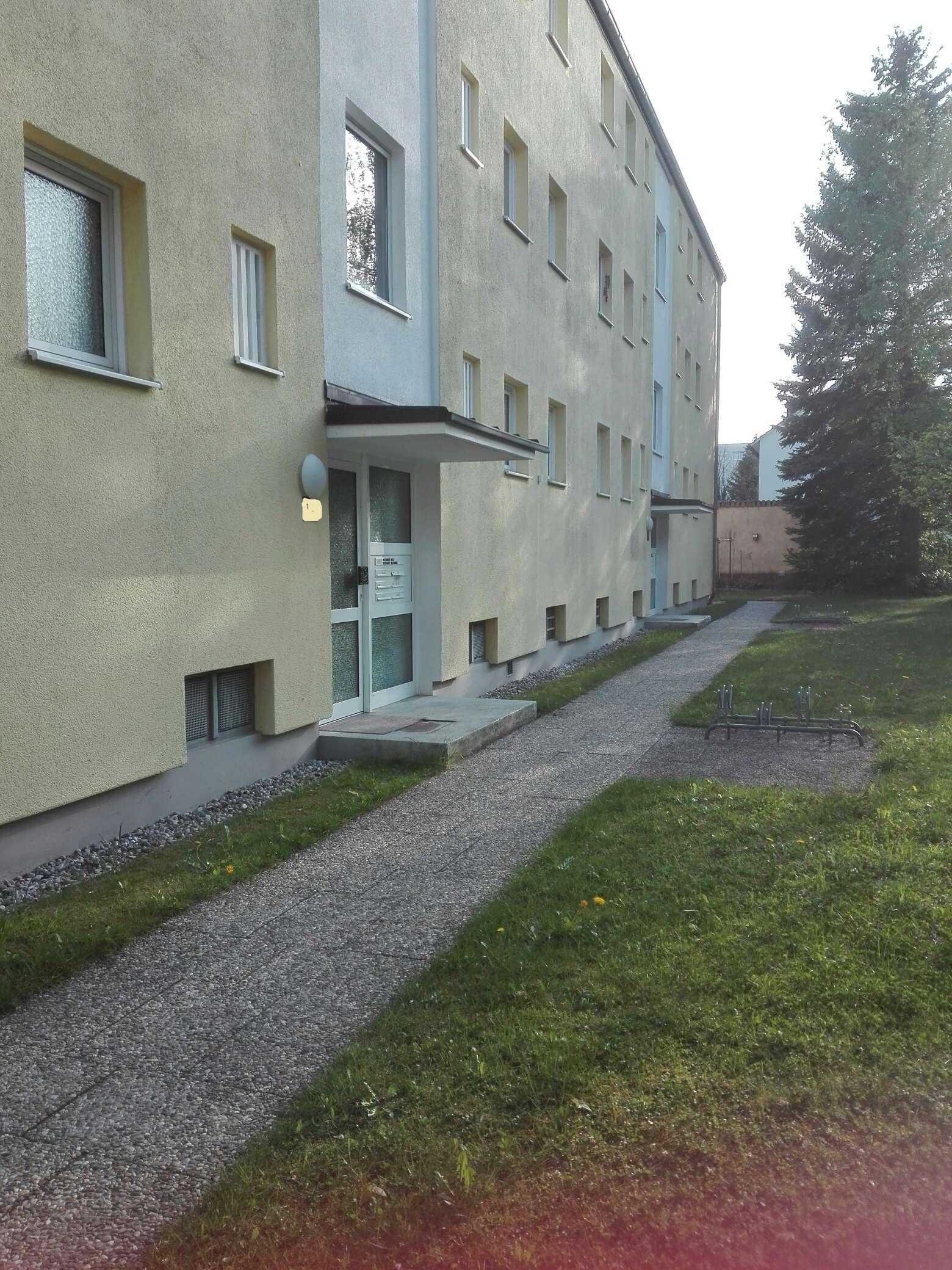 2 Zi.Whg. ruhig, grün u. zentral m. EBK u. Balkon