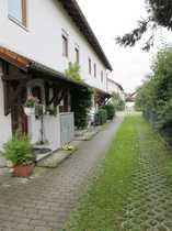 Reihenmittelhaus mit Garten und Garage