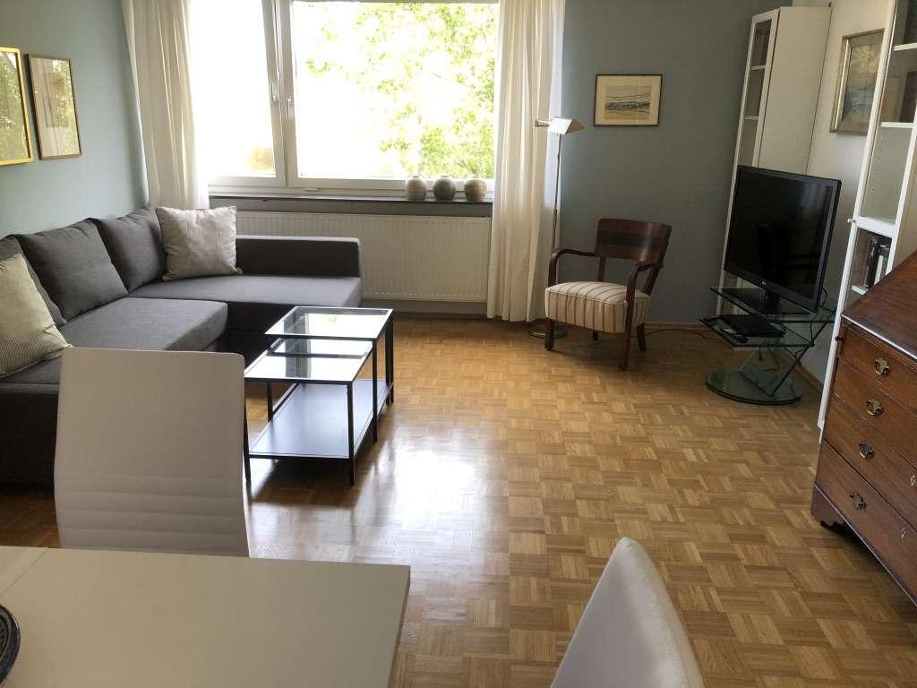 MÖBLIERT! Zentrale, helle und sehr ruhige 2-Zimmer-Whg. Nähe Kurfürstenplatz in Schwabing-West (München)