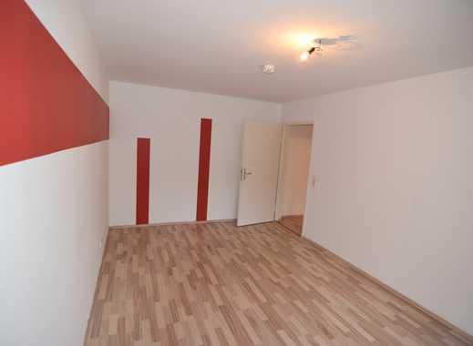 helle Wohnung mit kleinem Balkon