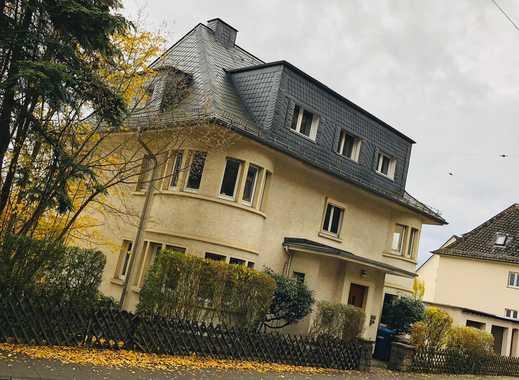 Freundliche 2-Zimmer-Wohnung mit Balkon und Einbauküche in Siegen