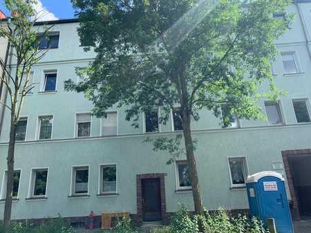 große 3 Zi.-Wohnung mit offenen Kamin und Balkon im 3. OG ohne Aufzug in Schleifweg (Nürnberg)