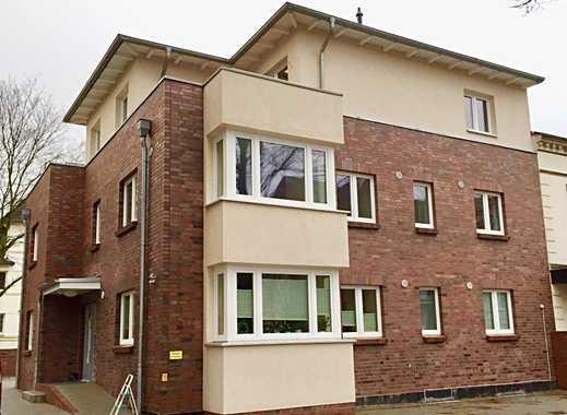 Neuwertige 4-Zimmer-Maisonette-Wohnung mit Balkon und EBK in Lübeck