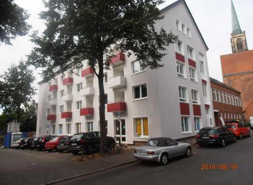 Bremen-Mitte, Modernisierte 2-Zimmer-Wohnung mit Balkon und EBK