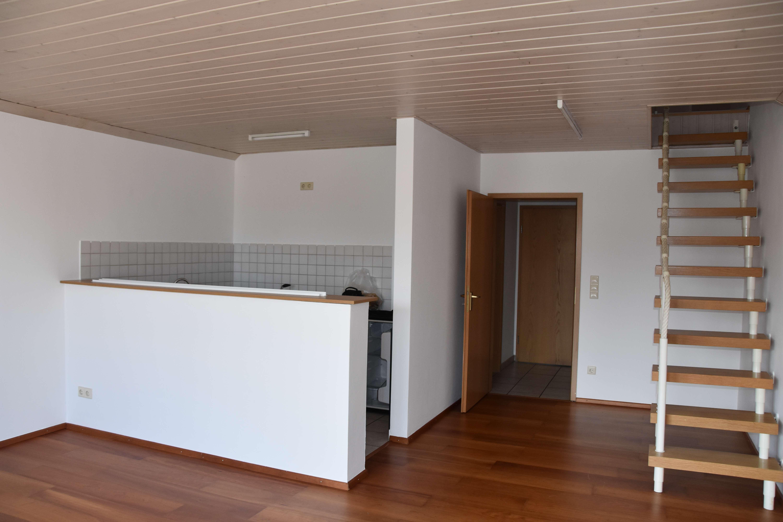 Gepflegte 1,5-Zimmer-Wohnung mit Balkon in Manching in