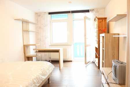 1-Zi-Appartement mit Balkon, Stellplatz und Möblierung - frei ab sofort! in Roter Hügel/Oberobsang/Unterpreuschwitz (Bayreuth)