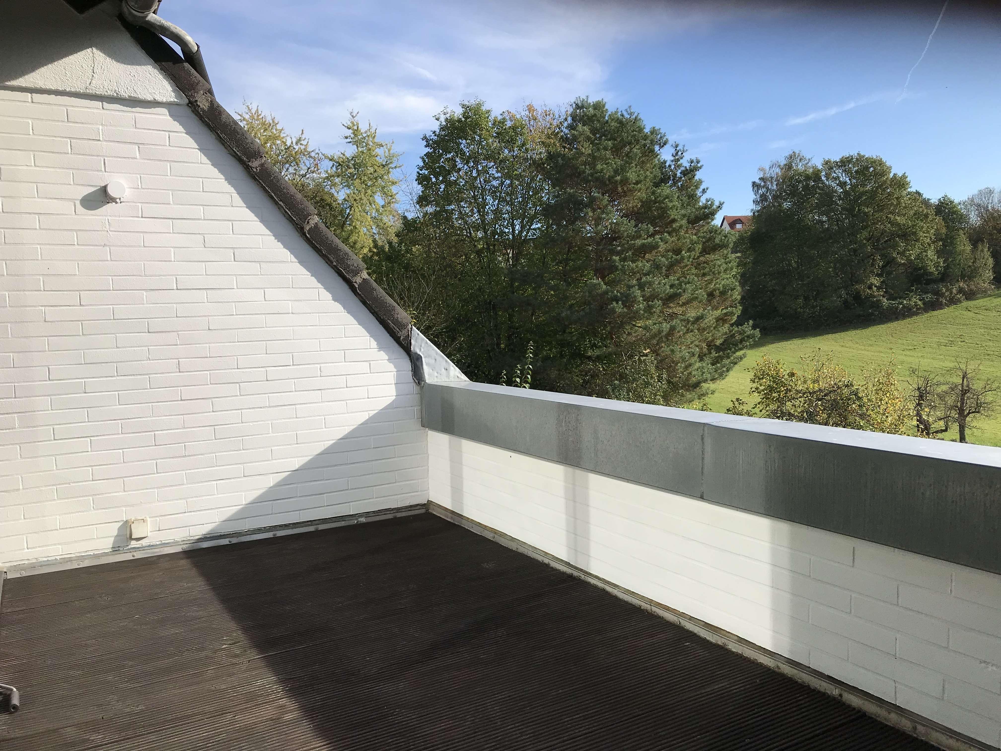 Gepflegte 3,5-Zimmer-Maisonette-Wohnung mit Balkon in Haibach in Haibach (Aschaffenburg)