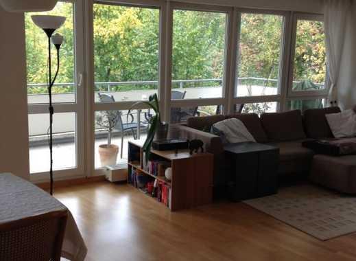 Vollständig renovierte 3 zimmer eg wohnung mit balkon in stuttgart