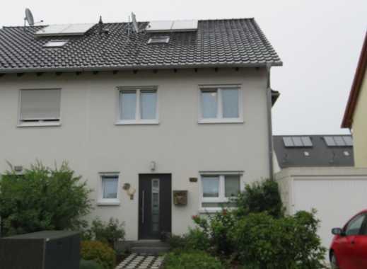 Schönes Haus mit fünf Zimmern in Rhein-Pfalz-Kreis, Neuhofen