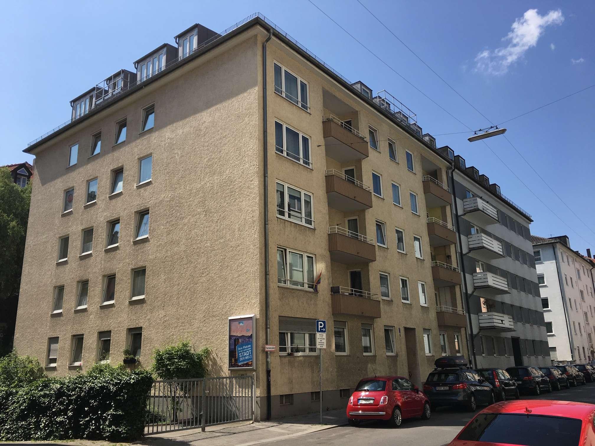 2 1/2 Zimmer Dachgeschosswohnung hell und freundlich in Ludwigsvorstadt-Isarvorstadt (München)