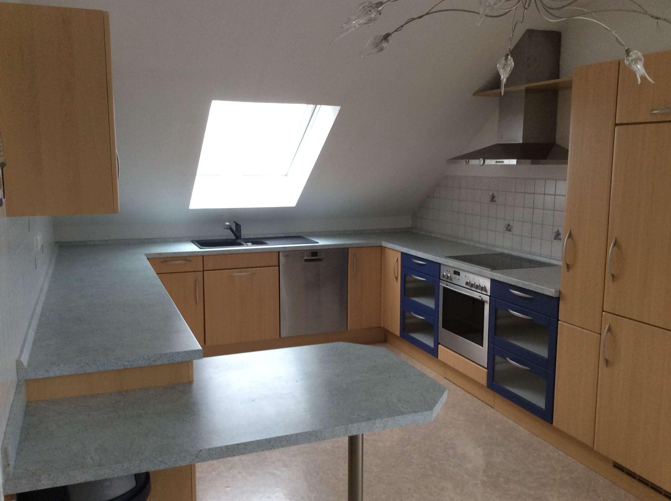 Neuwertige 4-Zimmer-DG-Wohnung mit Balkon und EBK in Memmingen in Steinheim (Memmingen)