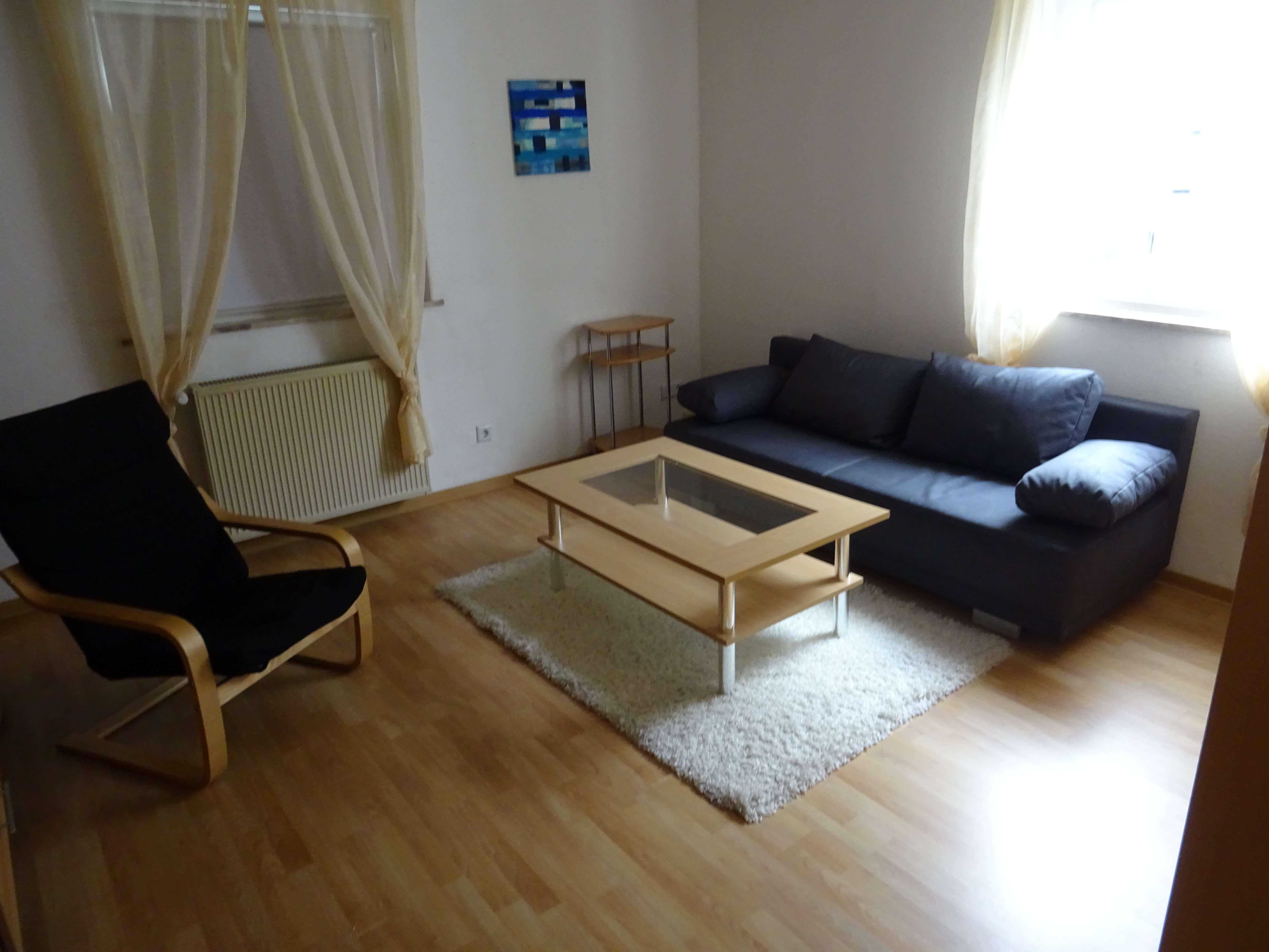 Schöne vollmöblierte zwei Zimmer Wohnung in Aschaffenburg (Kreis), Mainaschaff PROFISIONSFREI in Mainaschaff