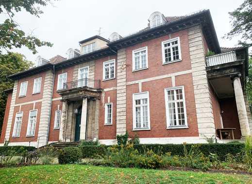 Idyllische Landhauswohnung mit traumhaftem Garten in Berlin-Westend