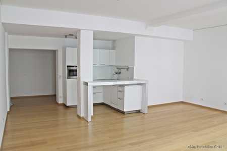 elvirA! Lehel, sehr schöne Zwei-Zimmer-Wohnung mit offener Wohnküche in begehrter Lage in Lehel (München)