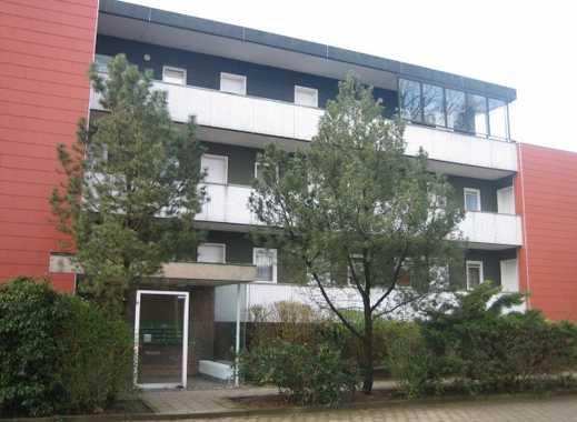 Gemütliche 1-Zimmer-Wohnung in Wandsbek mit Laminat, Vollbad, Einbauküche und Balkon