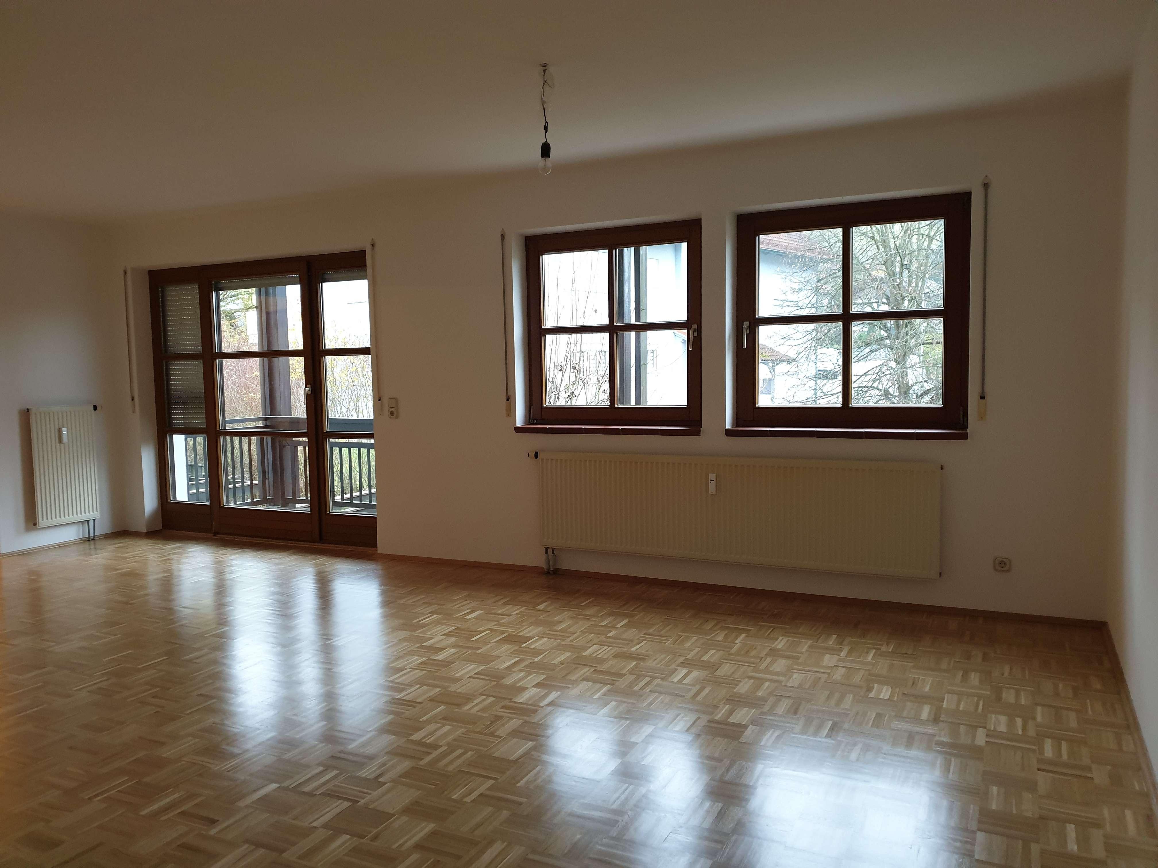 Gepflegte Wohnung mit drei Zimmern und Balkon in Vilshofen in