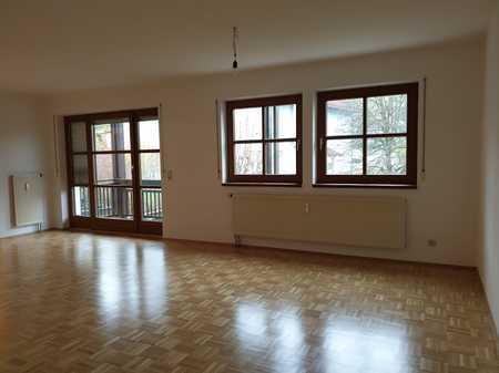 Gepflegte Wohnung mit drei Zimmern und Balkon in Vilshofen in Vilshofen an der Donau