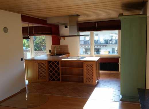 Gepflegte 2-Zimmer-Wohnung mit Balkon und EBK in Spay