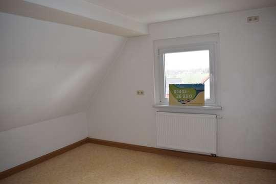 Bezaubernde Wohnung mit großer Küche im Dachgeschoss