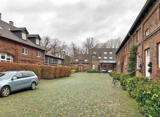 Charmantes Haus mit Flair, im Herzen des denkmalgeschützten Gutshofs in Kaiserswerth