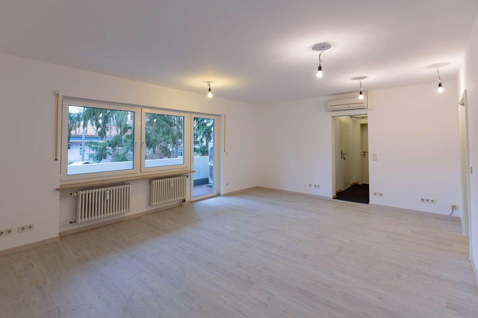 Erstbezug nach Sanierung mit Balkon: helle 4-Zimmer-Erdgeschosswohnung in Erlangen in Sieglitzhof (Erlangen)