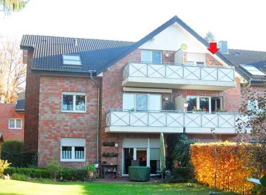 Gemütliche Dachgeschosswohnung mit Einbauküche in grüner, parkähnlicher Wohnanlage in Wesel-Flüren