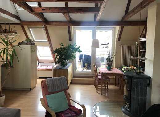 2,5-Raum-Dachgeschosswohnung in der KTV mit Laminat, Einbauküche, Eckwanne, Kamin und Balkon...!!!