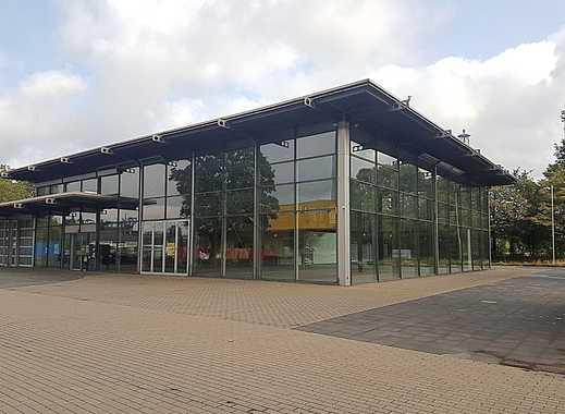 Hochwertige Gewerbeeinheit mit riesiger Fensterfront und ca. 20 eigenen Stellplätzen