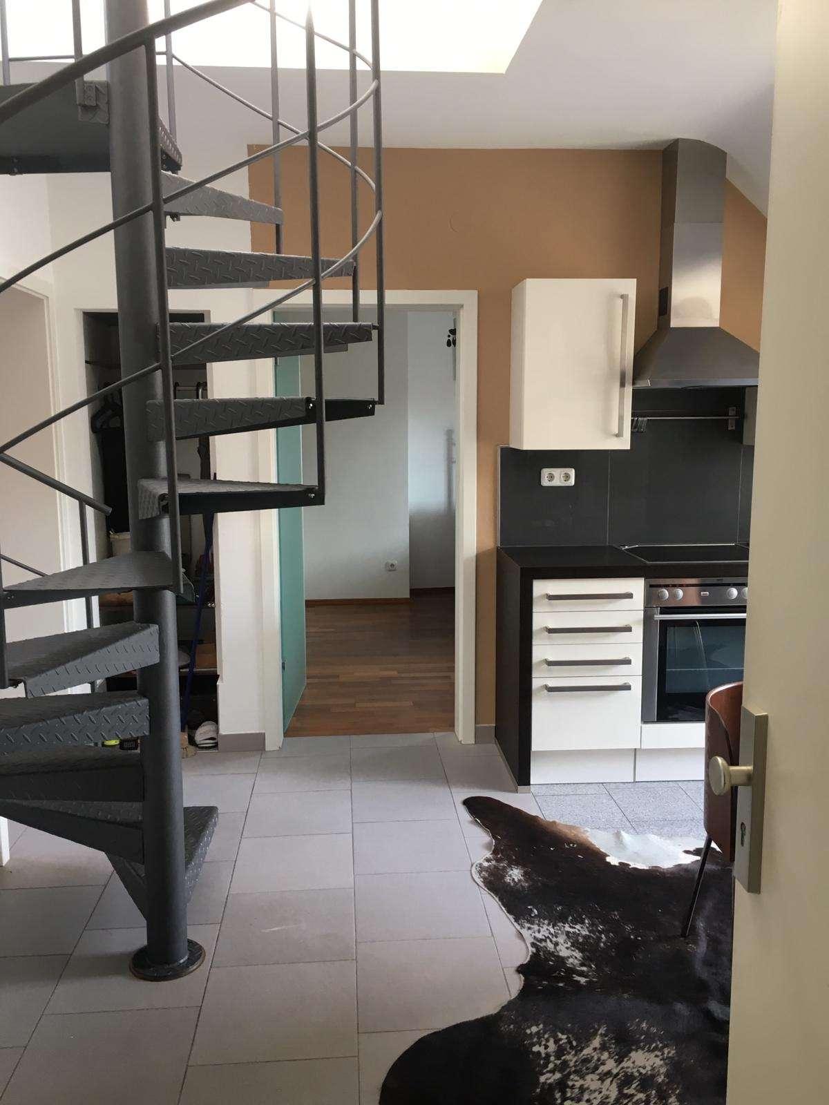Exklusive, sanierte 3-Zimmer-Maisonette-Wohnung mit Balkon und EBK im Herzen Würzburgs in Neumünster