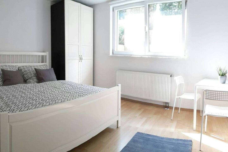Für Wochenendheimfahrer: Gepflegtes und möbliertes Souterrain-Apartment in Olching